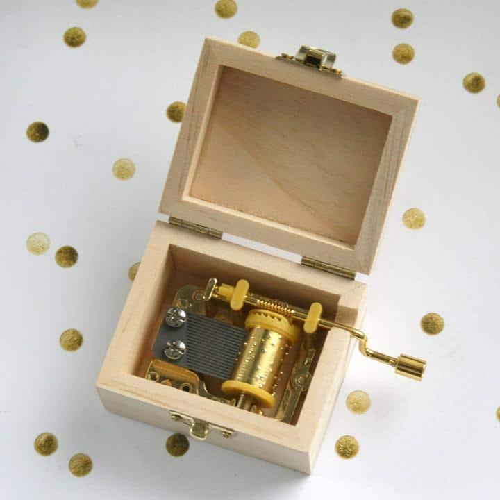 personalised-music-box-inside